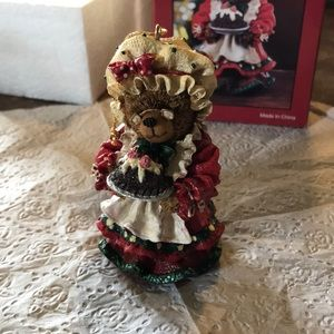 Other - Mrs Clays Teddy Bear figurine    Very detailed